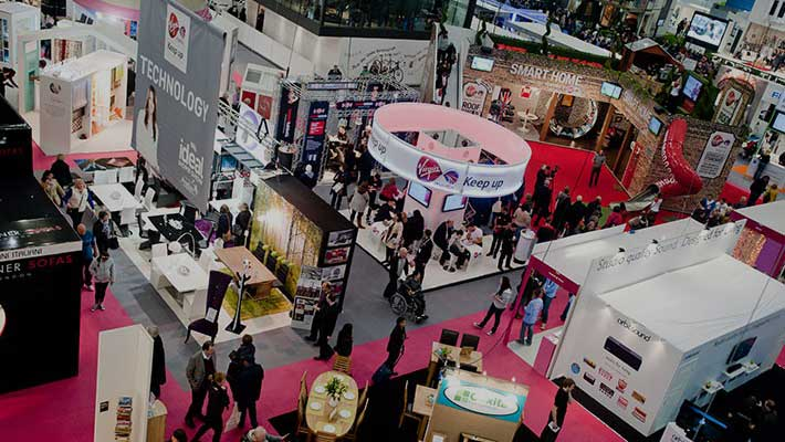 Tips-to-Make-Your-Trade-Show-Booth-More-Approachable