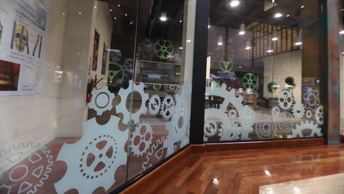 mission-escape-room-storefront-window-graphics